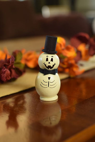 Lil Skully by Meadowbrooke Gourds
