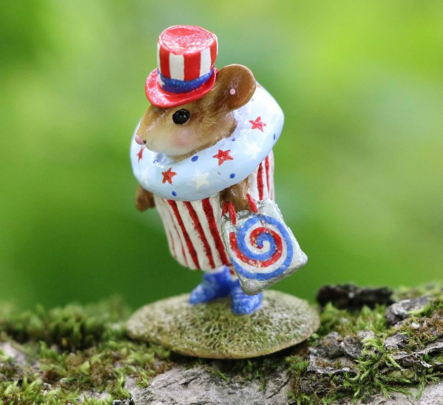 July 4th Cupcake Treat M-574i by Wee Forest Folk