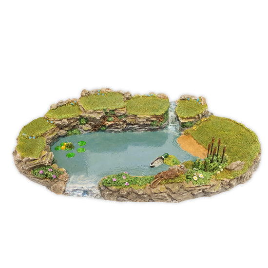 Trevor's Pond Displayer by Habitat Hideaway