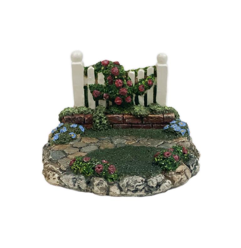 Spring Garden Displayer (red) by Habitat Hideaway