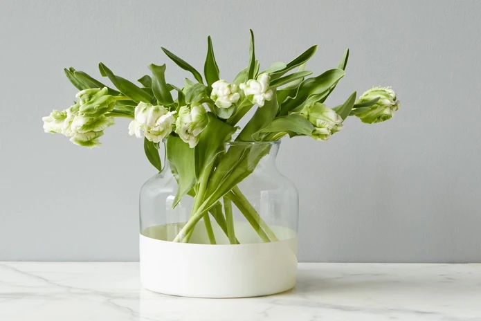 White Colorblock Flower Vase by etúHOME