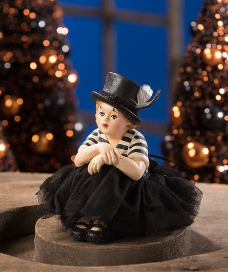 Mime Madeline by Bethany Lowe Designs