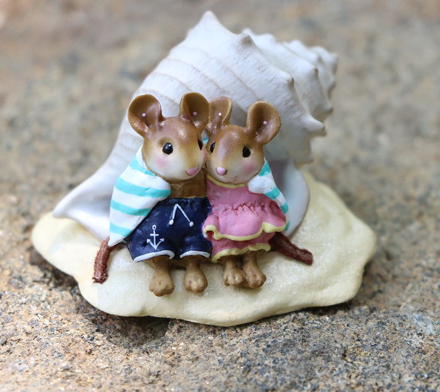 Shell-tering Together M-689 by Wee Forest Folk®