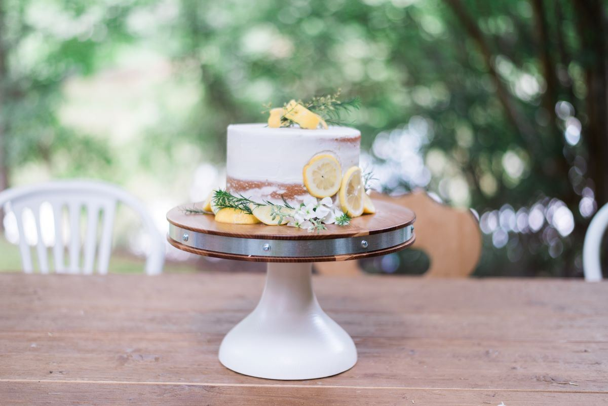 Bianca Cake Stand, Small by etúHOME