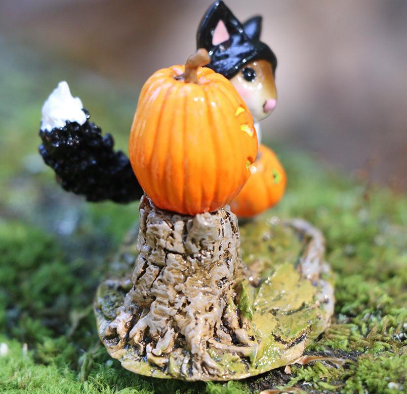 Fraidy Cat! M-696 by Wee Forest Folk®