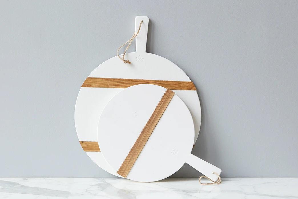 White Round Mod Charcuterie Board Medium by etúHOME