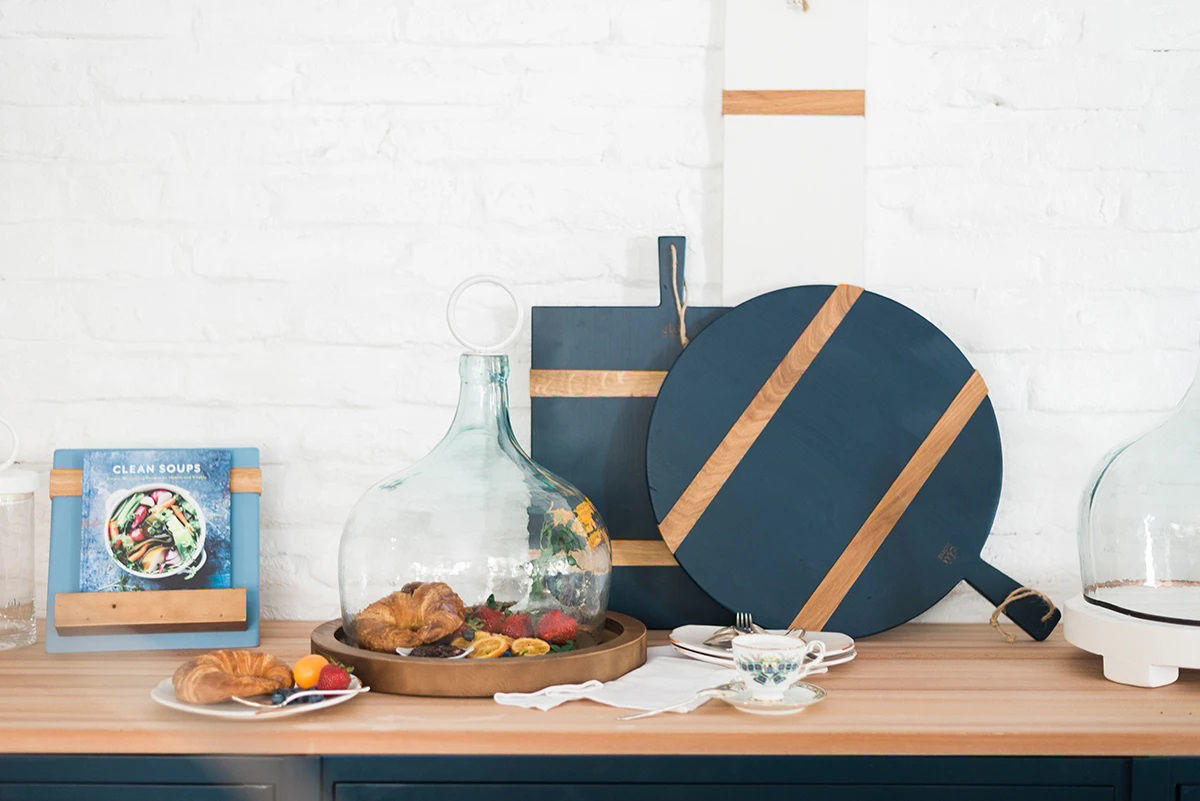 Navy Round Mod Charcuterie Board, Medium  by etúHOME