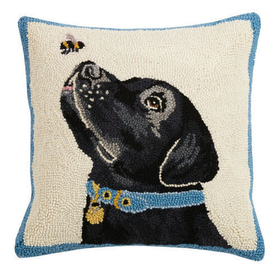 Black Lab with Bee by Peking Handicraft
