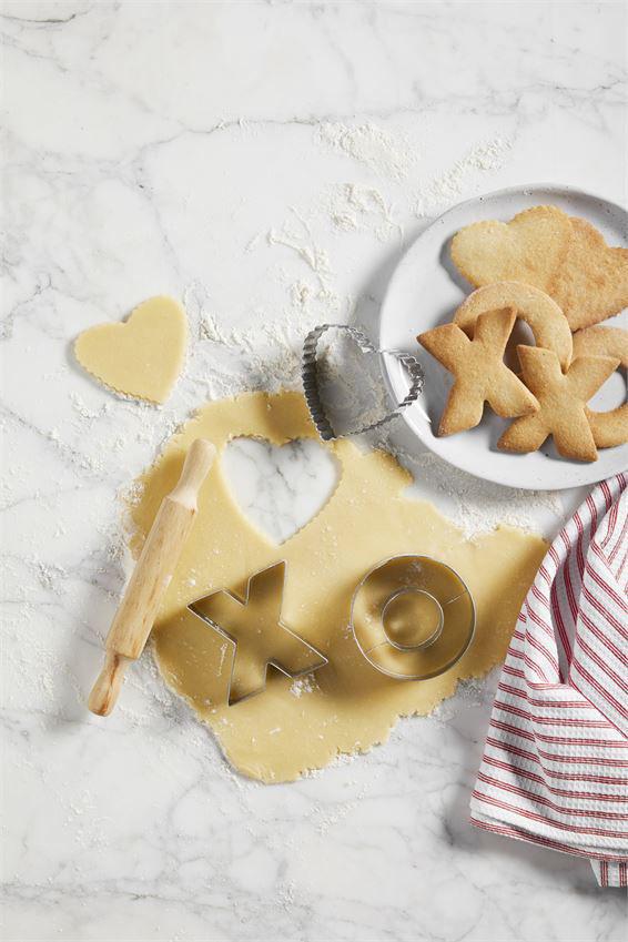 Xoxo Cookie Cutter Set by Mudpie