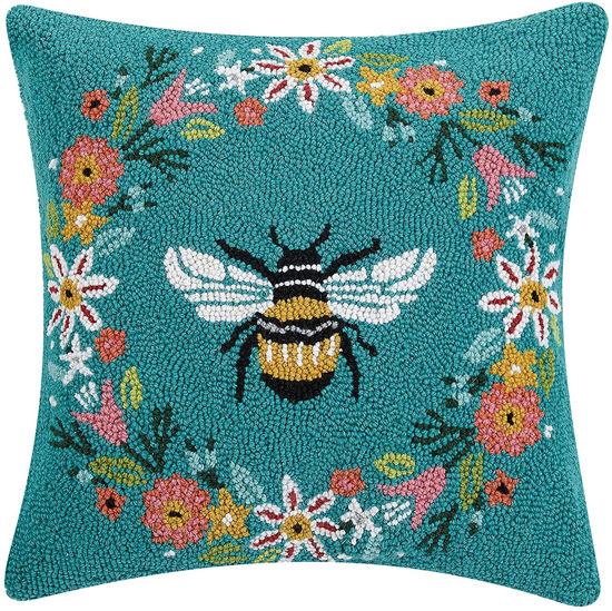 Bee Wreath by Peking Handicraft