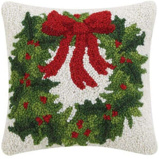 Holiday Wreath by Peking Handicraft