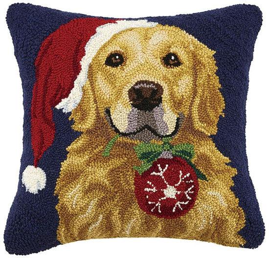 Retriever with Ornament Pillow by Peking Handicraft